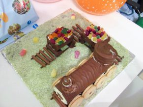 Super Easy No Bake Train Cake For Kids Parties