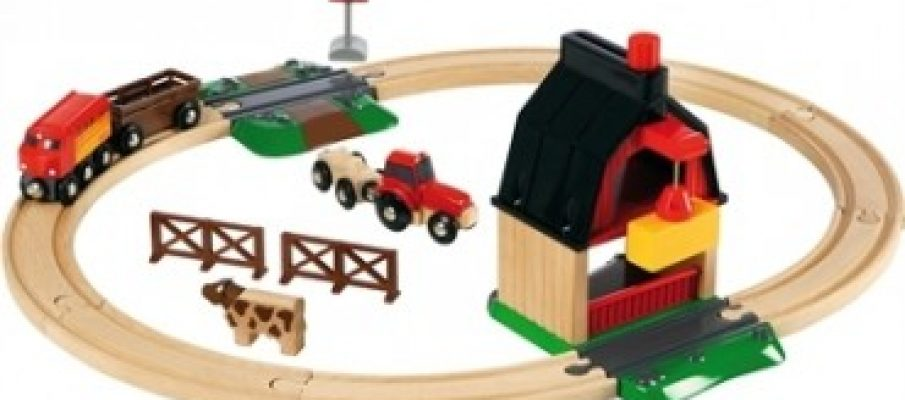 brio_farm_railway_set