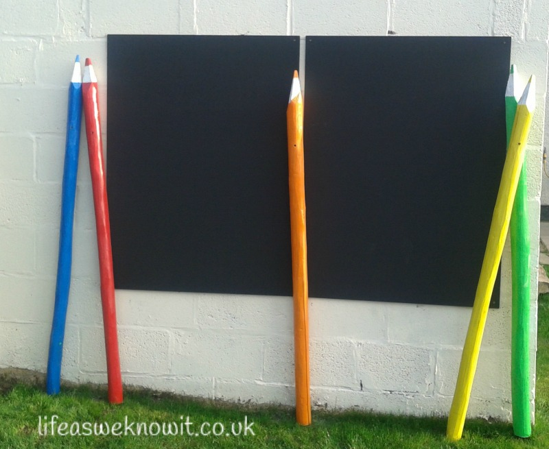 56-Outdoor-blackboard