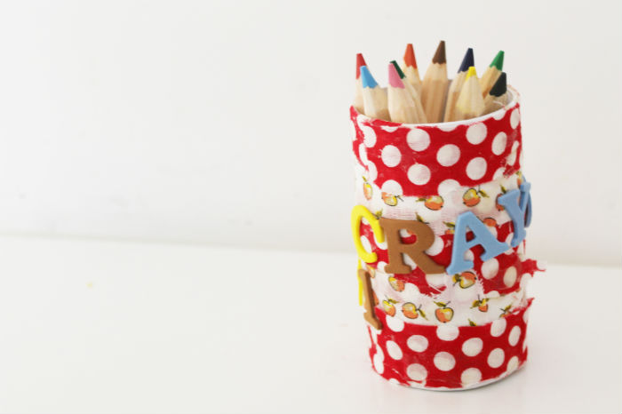 diy fabric crayon pot in the playroom. Black Bedroom Furniture Sets. Home Design Ideas