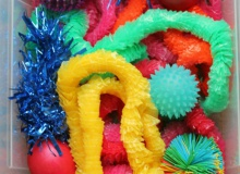 Sensory Play : Rainbow Tactile Sensory Bin
