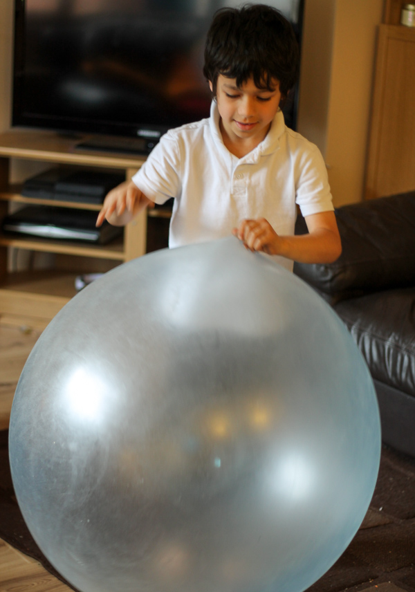Wubble Bubble Ball In The Playroom