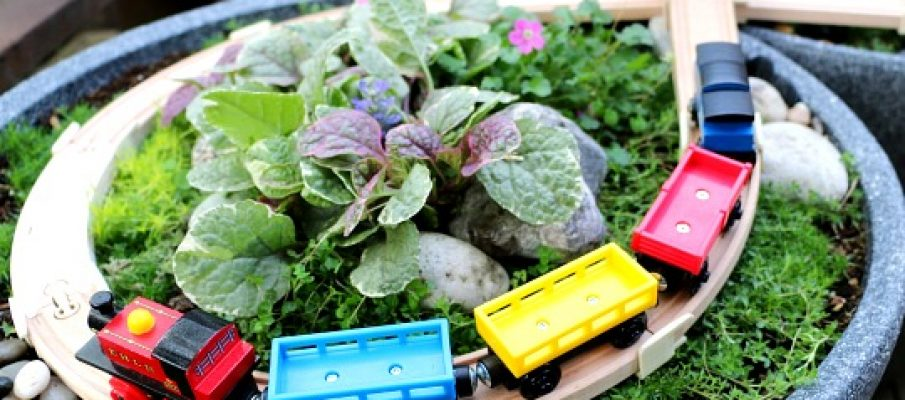 DIY-Outdoor-Train-Table-Miniature-Garden-Railway-7