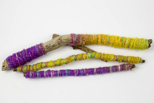 yarn-wrapped-sticks-2