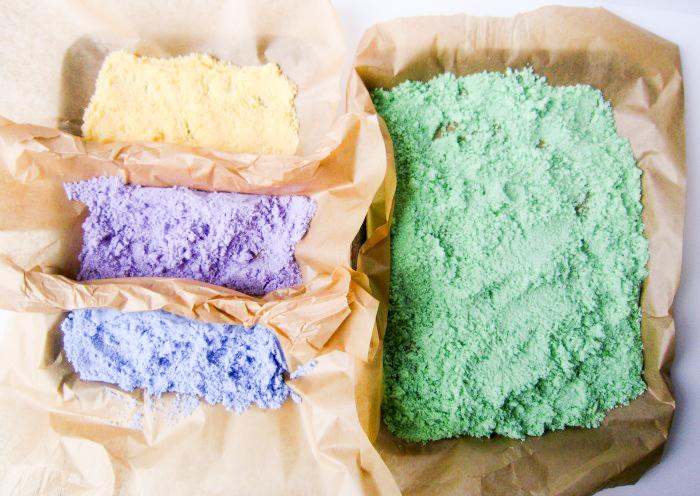 Making coloured salt