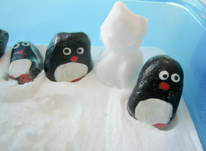 Baking soda snowmen and penguins