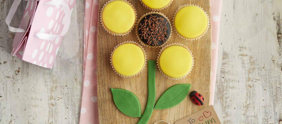 DrOetker_BakeMumsDay_BlossomingCupcakes