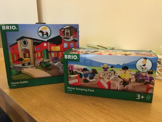 Brio Horse Stable and Jumping Pack Review