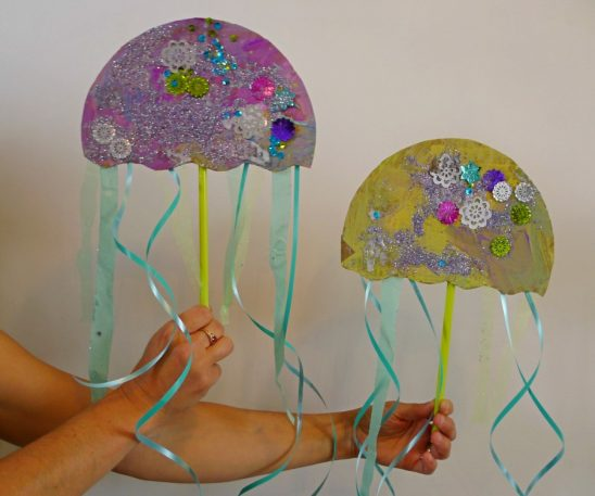 Super Sparkly Jellyfish (an easy-peasy craft project)