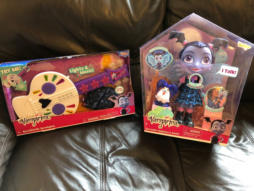 Vampirina Toys Review & #VampirinaToys Twitter Party