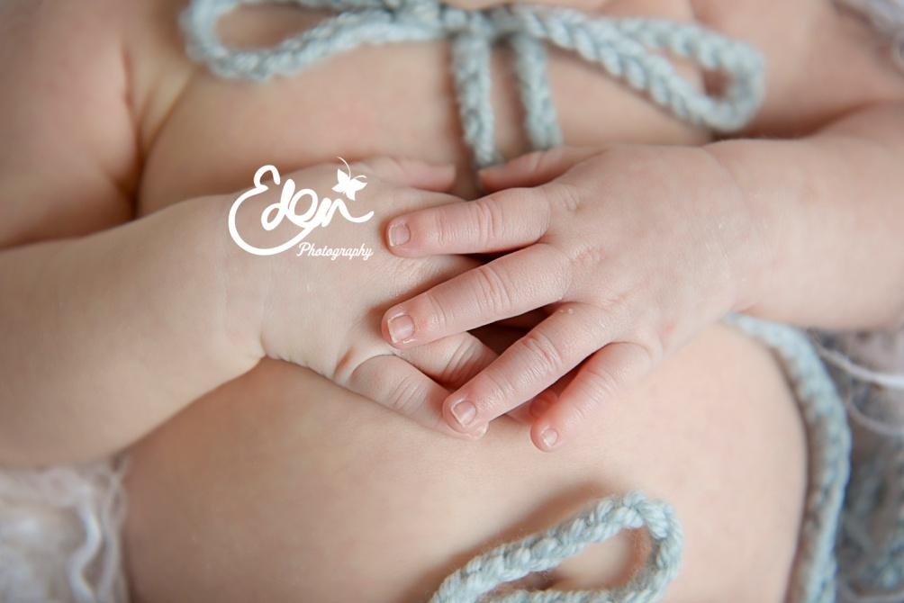 Ideas to photograph baby from newborn to six months old