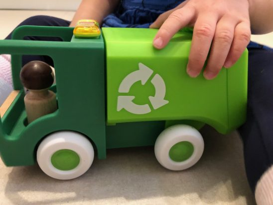 Brio Light & Sound Garbage Truck Review