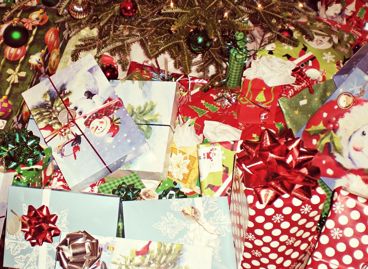 christmas-presents-595850_1280