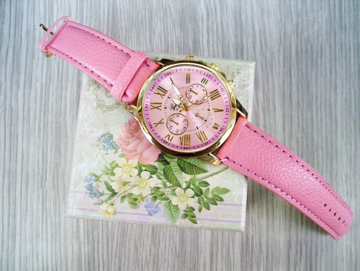 watch_time_ladies_watch_tips_measurement_of_time_hours_clock_shield_jewelry-810375.jpg!d